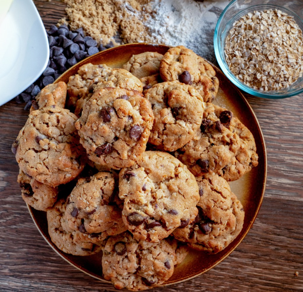 No-Guilt-Peanut-Butter-Chocolate-Chip-Cookies-1